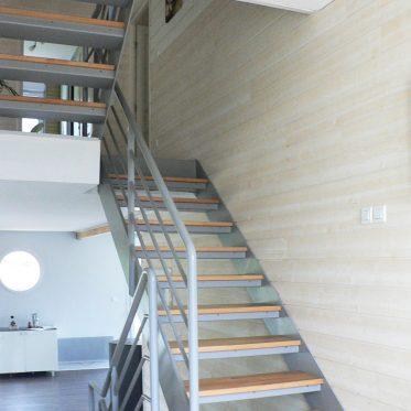 Construire un escalier droit escalier with construire un for Construire un escalier droit