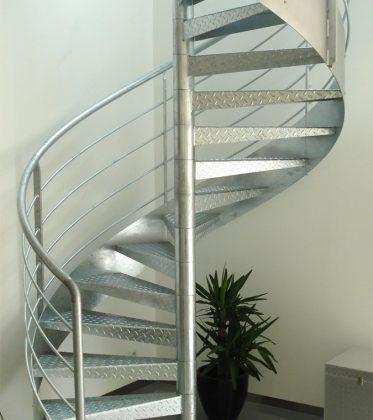 Marches caillebotis pour l\'escalier d\'un loft - EHI - Escalier ...