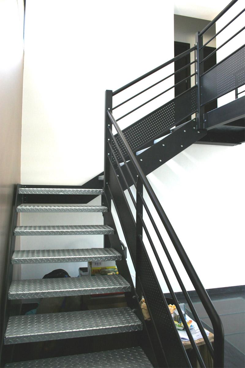 les rampes ehi escalier h lico dal industriel. Black Bedroom Furniture Sets. Home Design Ideas