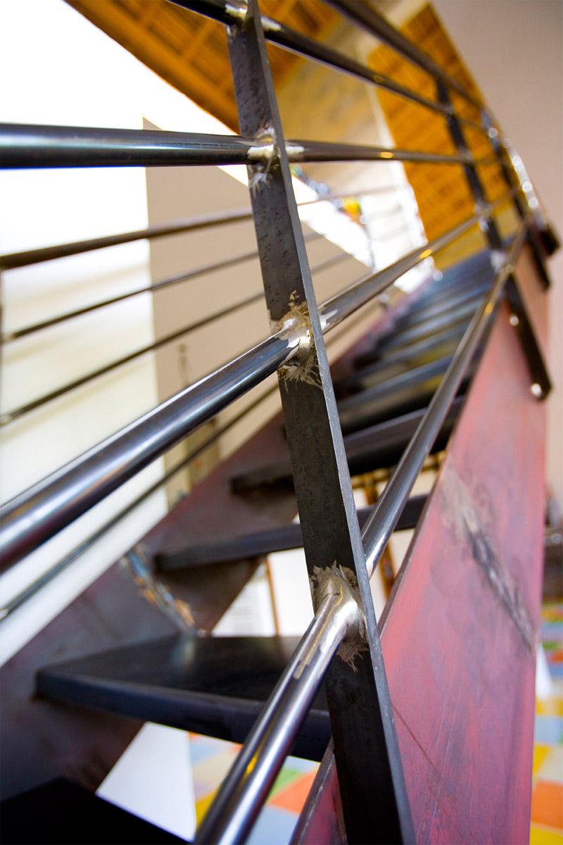 Escalier Droit En Acier Brut Pour Un Duplex Ehi Escalier