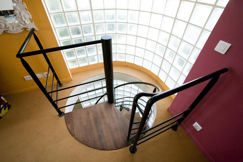 Amante Escalier acier brut marches en wengé - EHI - Escalier Hélicoïdal &IS_14