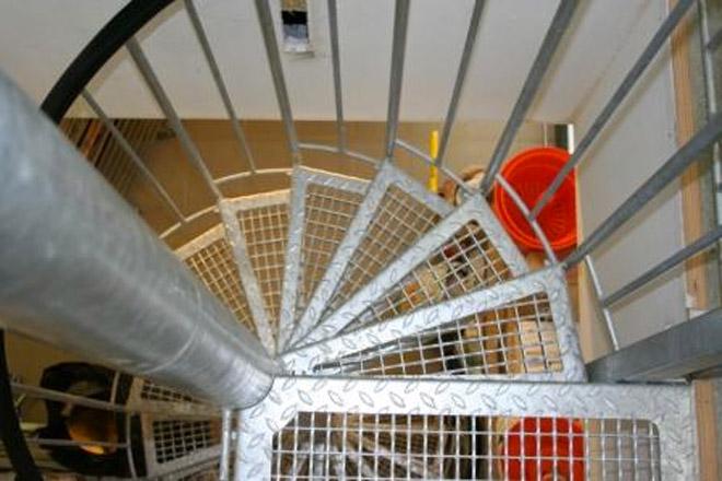 escalier colima on usage professionnel intensif ehi escalier h lico dal industriel. Black Bedroom Furniture Sets. Home Design Ideas
