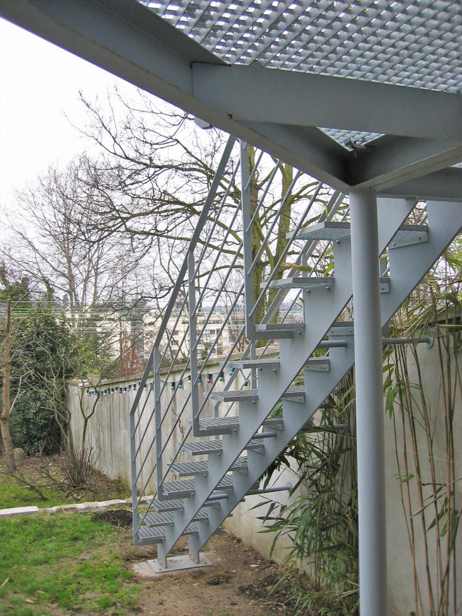 Escalier ext rieur droit marches caillebotis ehi for Main courante escalier exterieur