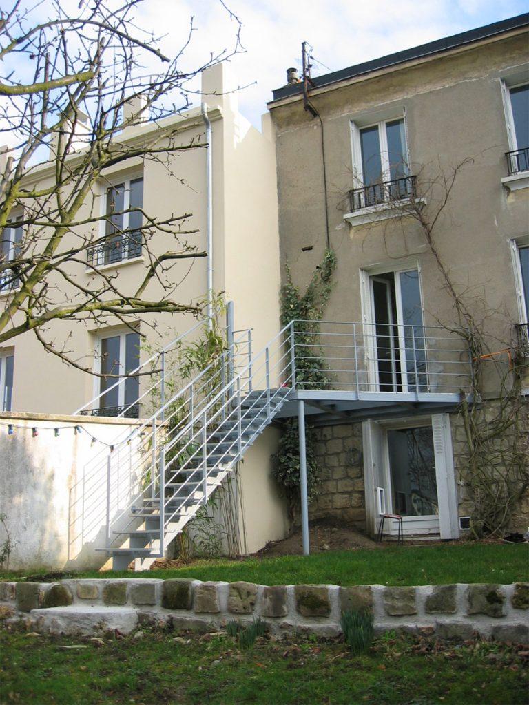 maison-escalier-caillebotis