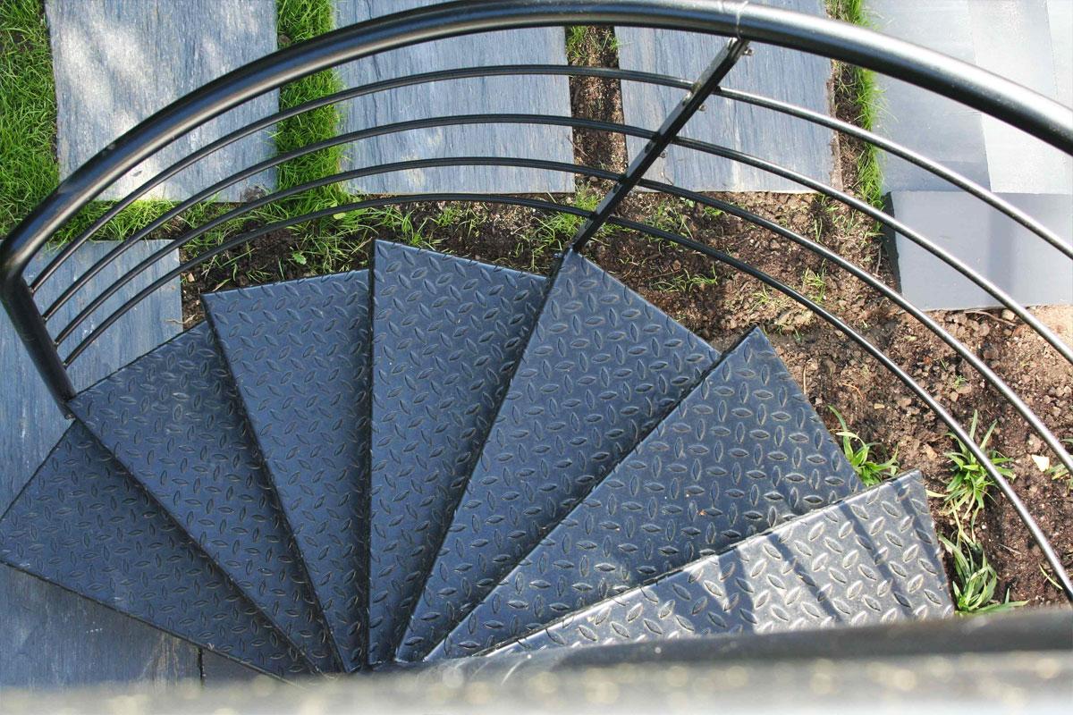 Escalier ext rieur de la terrasse au jardin ehi - Maison jardin et terrasse 3d ...