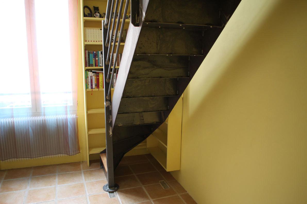 escalier quart tournant en acier brut paris ehi escalier h lico dal industriel. Black Bedroom Furniture Sets. Home Design Ideas