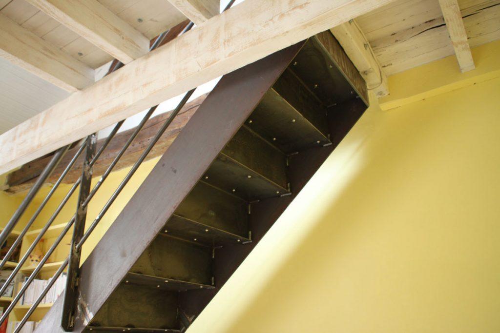 structure-en-acier-brut