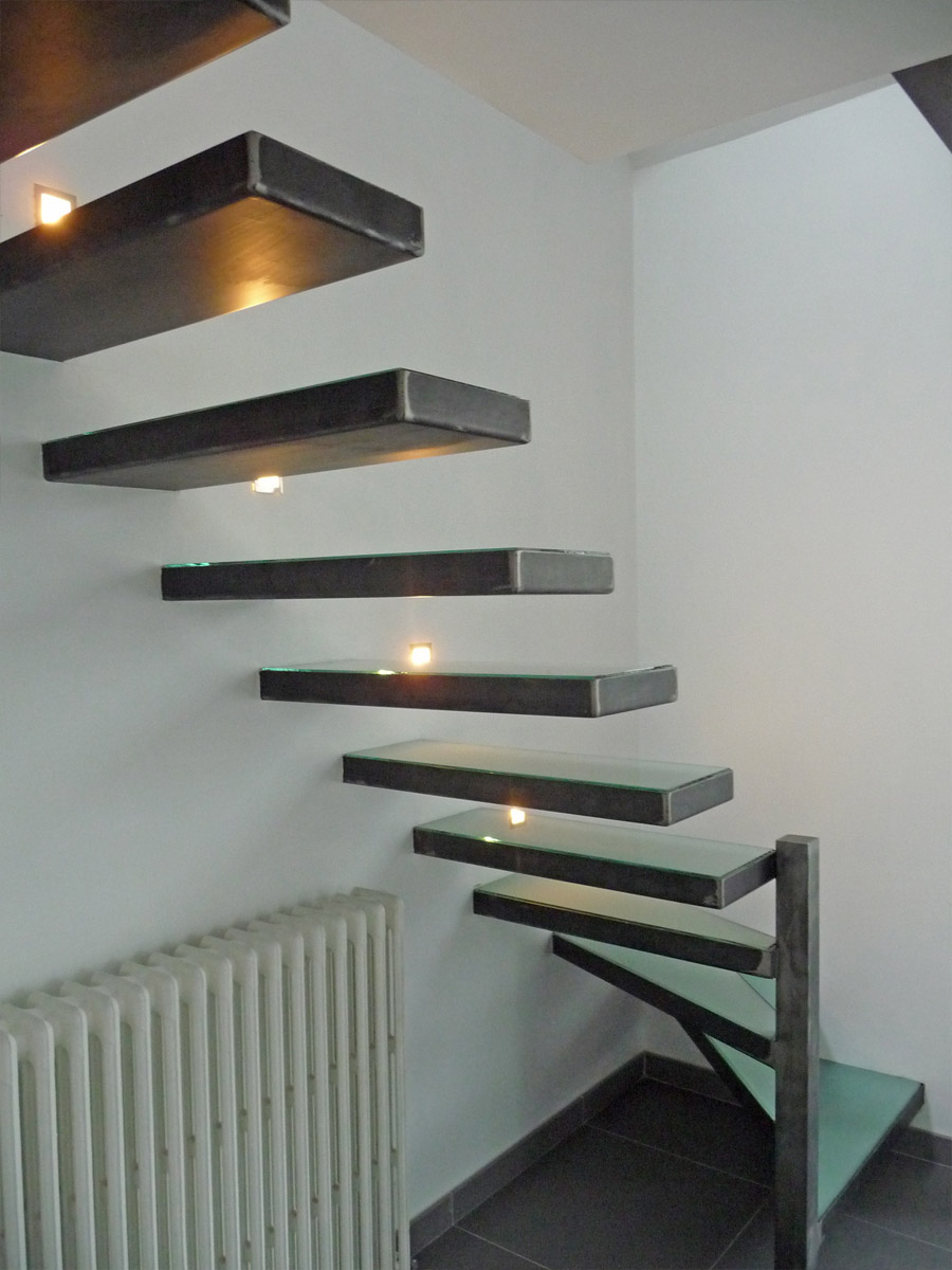 escalier marches en console un blog sur les escaliers. Black Bedroom Furniture Sets. Home Design Ideas