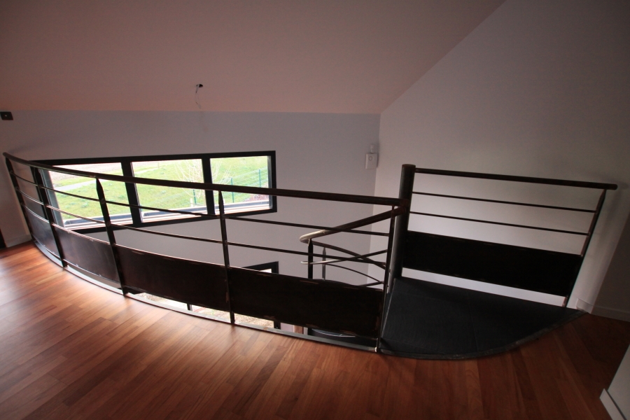 escalier h lico dal avec limon ehi escalier h lico dal industriel. Black Bedroom Furniture Sets. Home Design Ideas