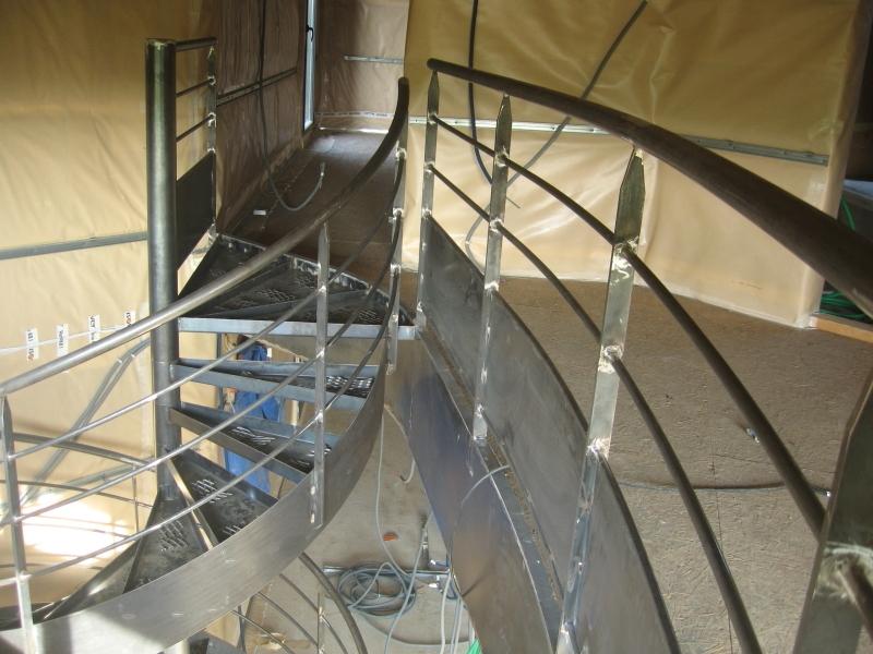 escalier h lico dal avec limon ehi escalier h lico dal industriel. Black Bedroom Furniture Sets. Home Design Ideas