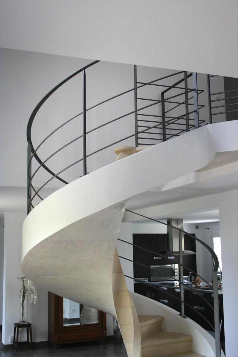 Escalier Interieur Beton Design garde-corps d'un escalier circulaire en béton - ehi