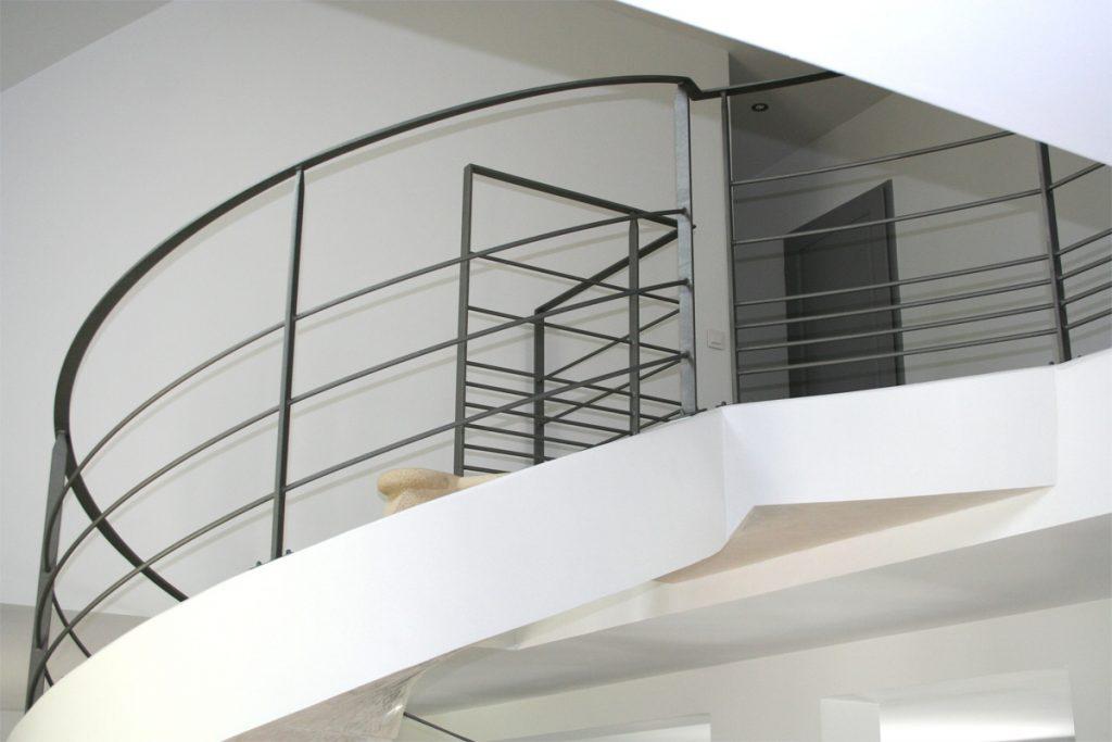 Calcul escalier colimaon elegant calcul escalier for Calcul escalier helicoidal