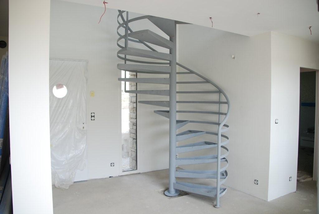 Les finitions ehi escalier h lico dal industriel for Peindre escalier bois en gris