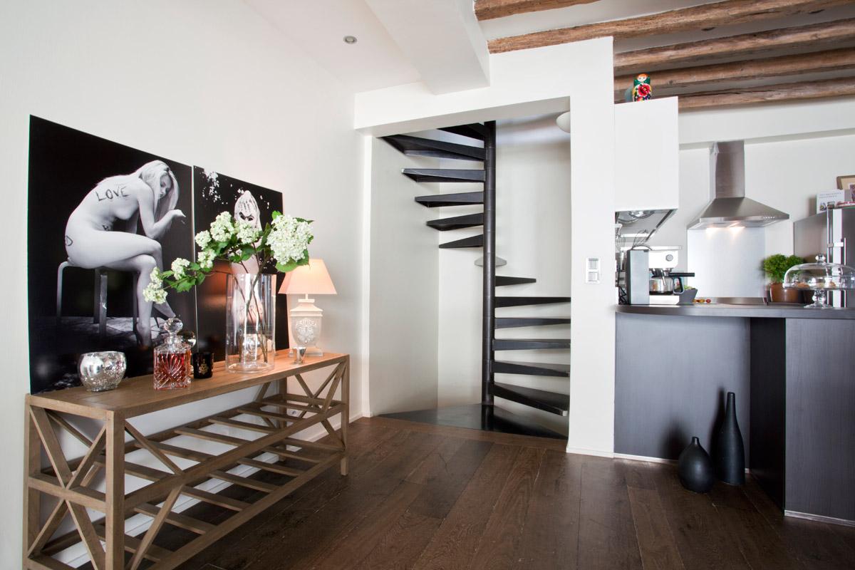 Integration D Un Escalier Dans Une Maison A Paris Ehi