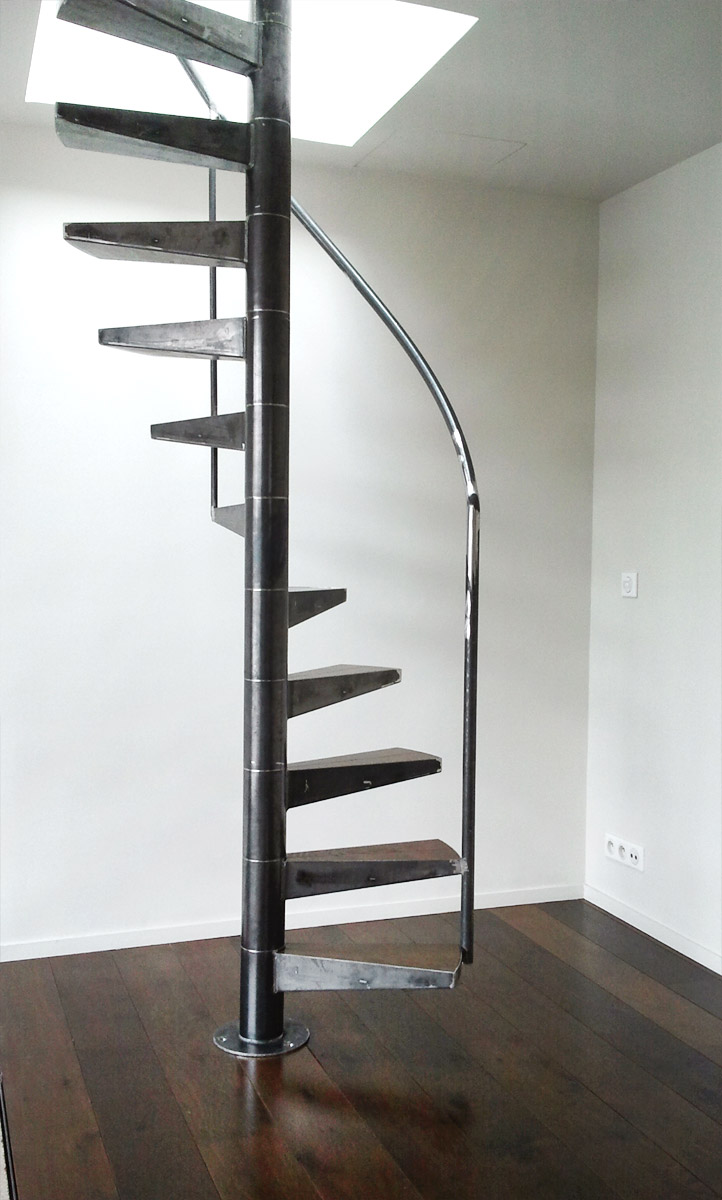 Les rampes ehi escalier h lico dal industriel for Petit escalier en bois